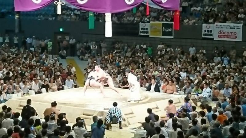 白鳳 対 日馬富士